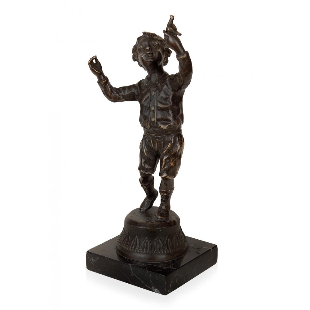 EP296 - Scultura in bronzo Bambino con uccellino